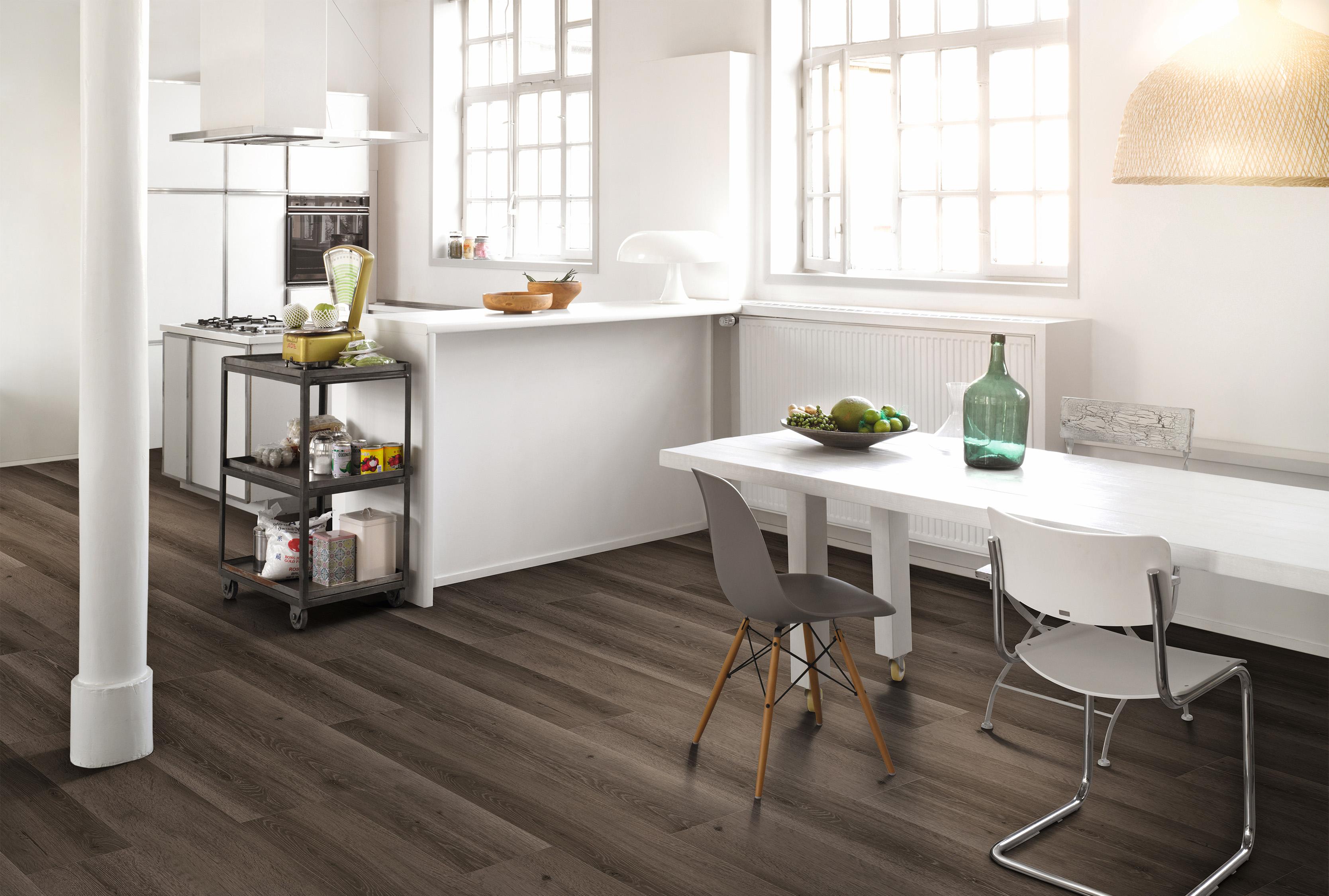 PARADOR vinylové podlahy podliehajú pravidelným prísnym testom a môžu sa  pochváliť certifikátmi  9cef2e71277